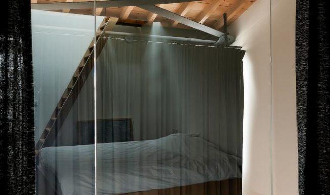 Illustratie of afbeelding op qualiglas.be van realisatie in glaswerk: totaalrenovatie van loft in oude loodsen in de Voorhavenlaan in Gent.